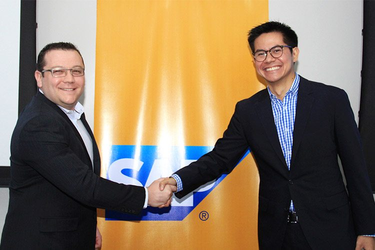 Ryan Poggi, Managing Director of SAP Philippines (left) together with Benneth Aquino, Head Strategy and Corporate Development Consumer Business, Globe Telecom (Right)
