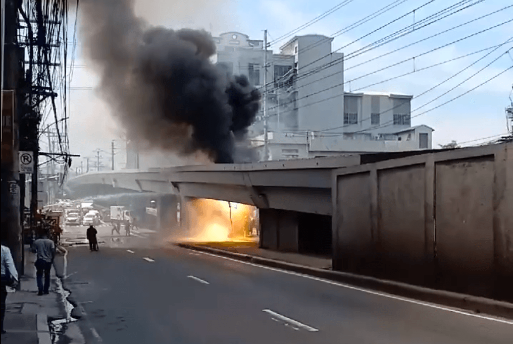 Fire caused Santolan, Katipunan, and Anonas stations to close down.